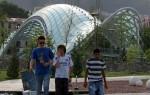 Die neue Friedensbrücke in Tbilissi