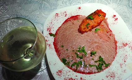 Lobo-Sahnesuppe mit gebratenem Lachs
